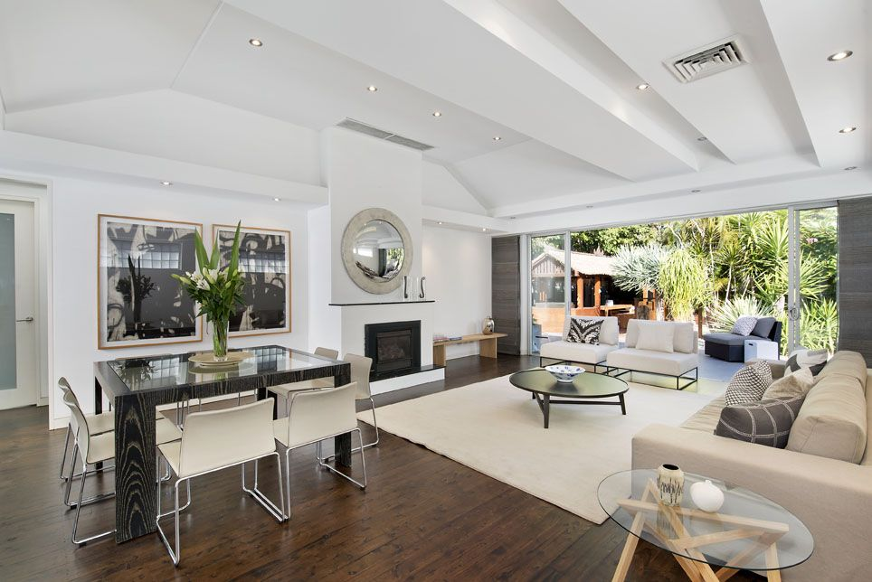 2/27 Abbott St Coogee sold for $3.25m.